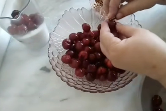 Начинить орехом