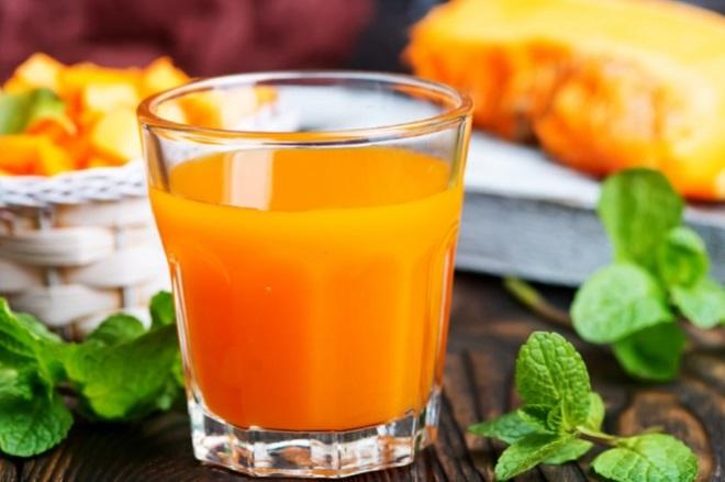 Сок тыквенный в стакане