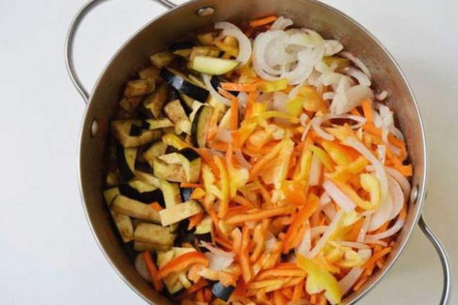 Тушение овощей в пасте